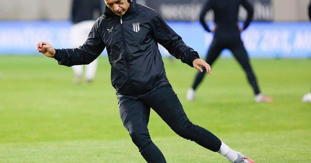 Note II: The former national team striker has left Progress