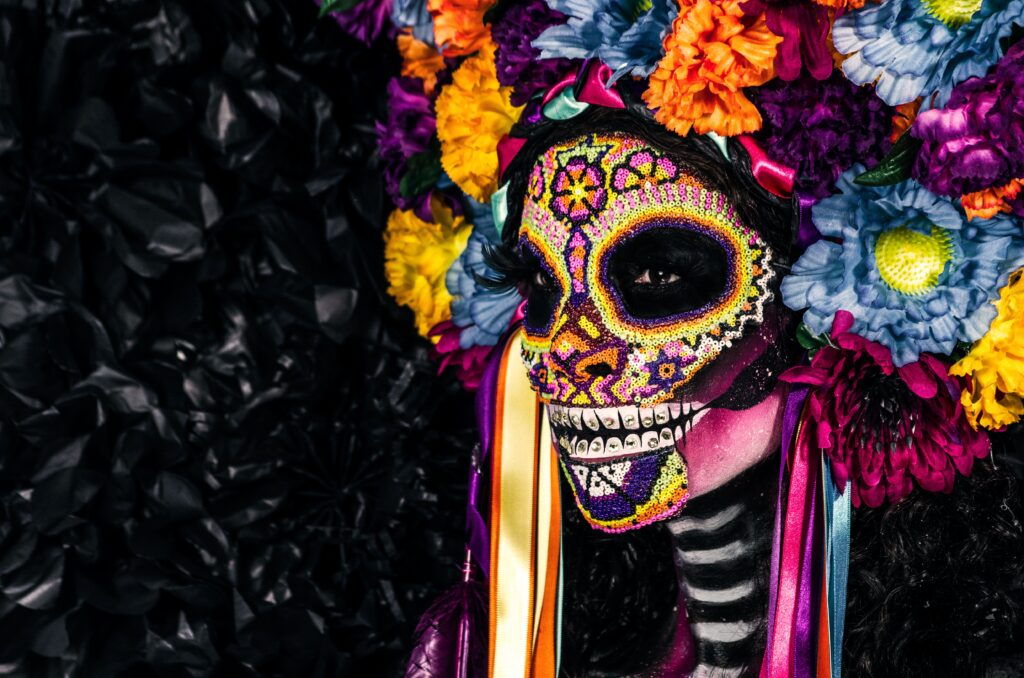 Thousands of flowers, painted skulls, and the Mexican altar are also in the set - a skull celebration in Budapest