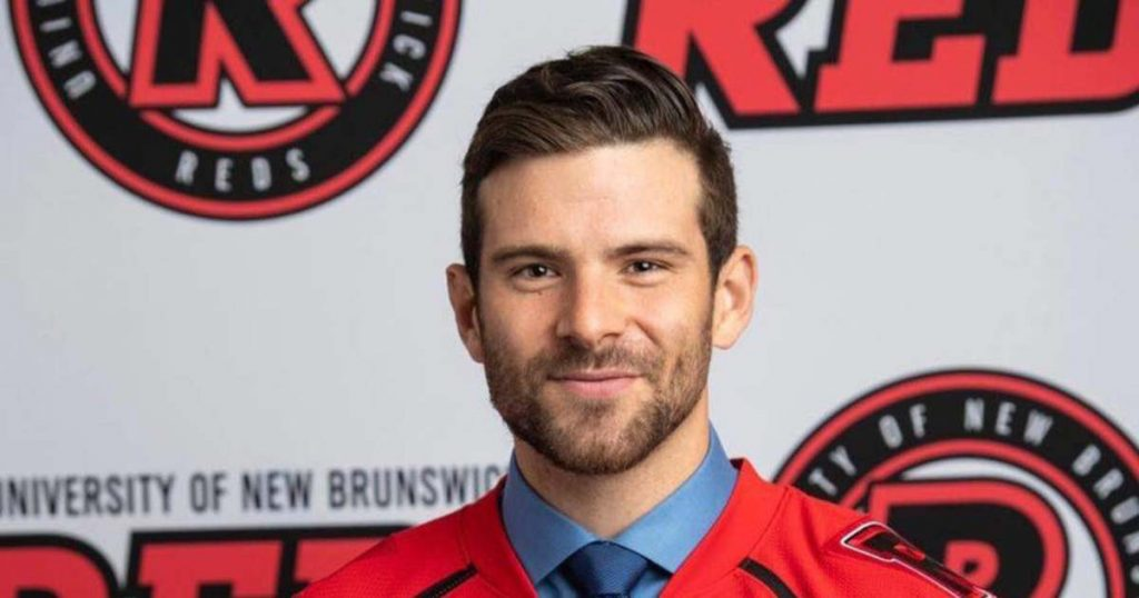 The Canadian striker has been hired by DVTK Polar Bears