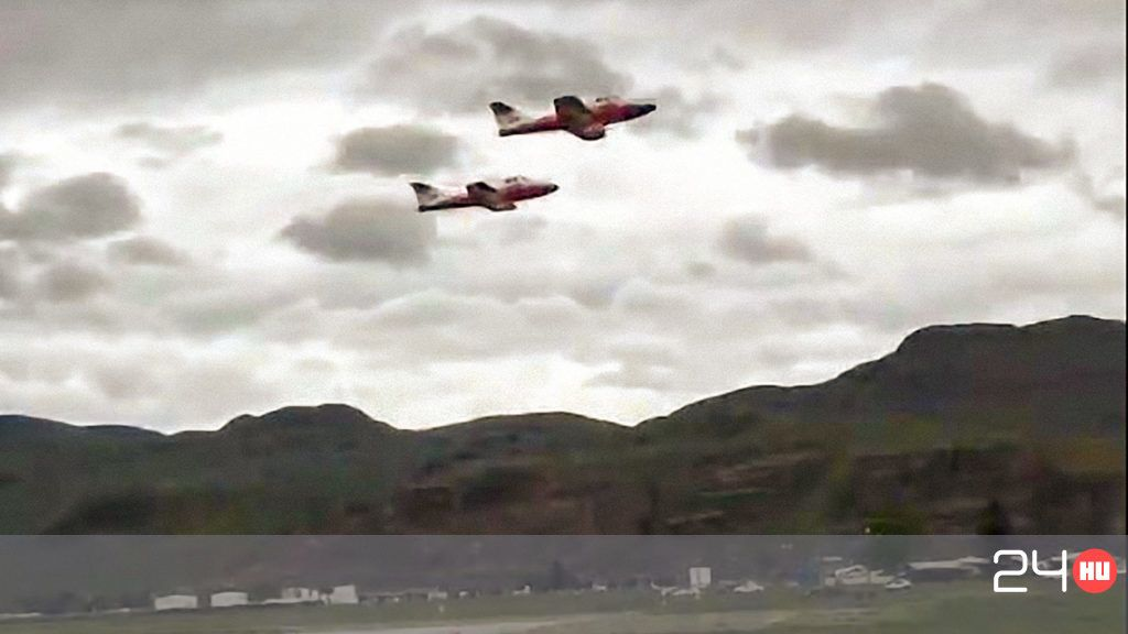 In the video, a Canadian Air Force acrobatic plane crashes
