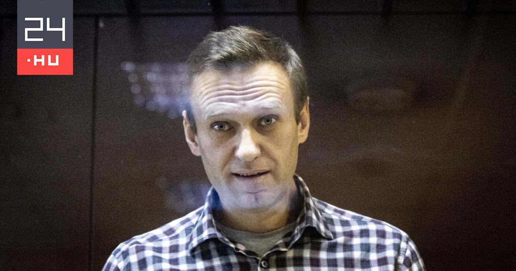 Navalny is alive and taken to a prison near Moscow