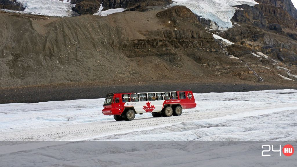 Three died in an ice bus accident in Canada