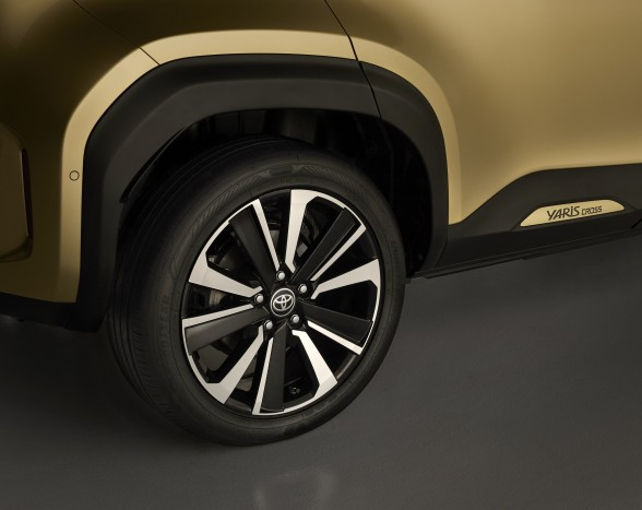 The smallest Toyota crossover 3 will also be available in a more masculine design