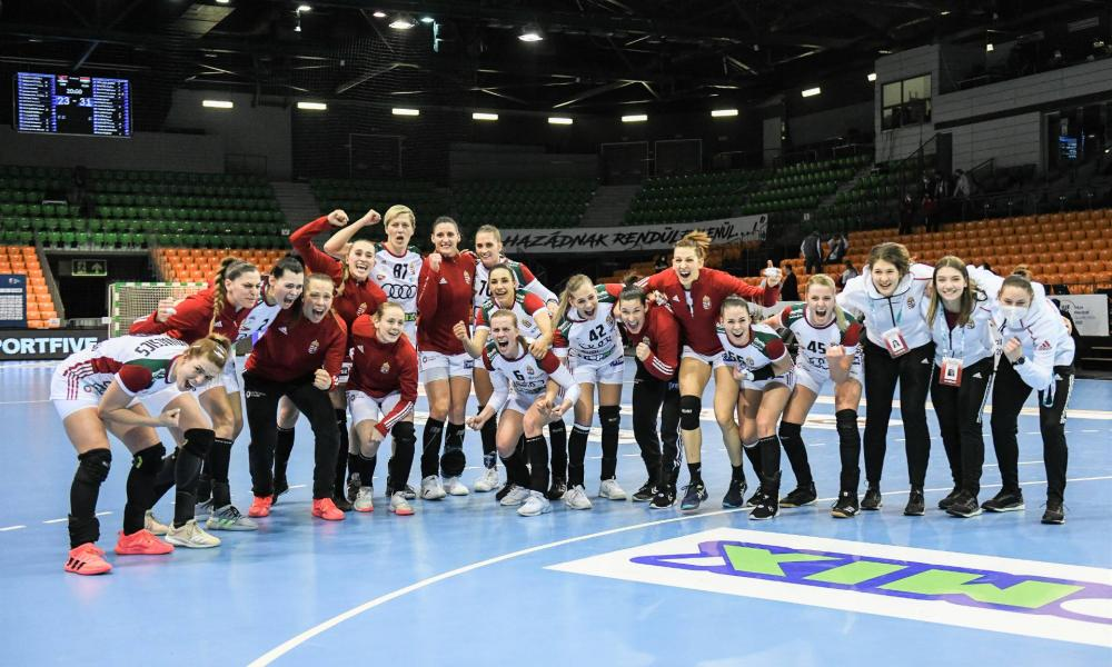 Tokyo share of the Hungarian women's handball team
