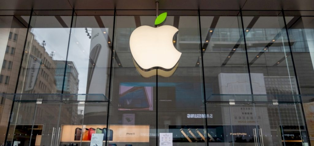 Russian hackers stole Apple's plans