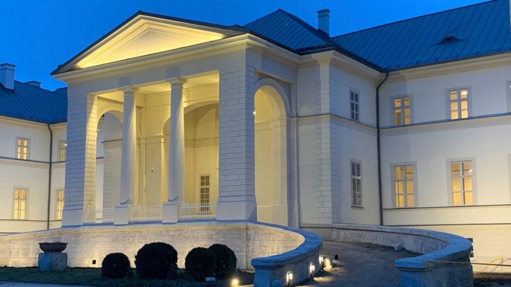 Festetics Castle's ceremonial outdoor renovation has been completed