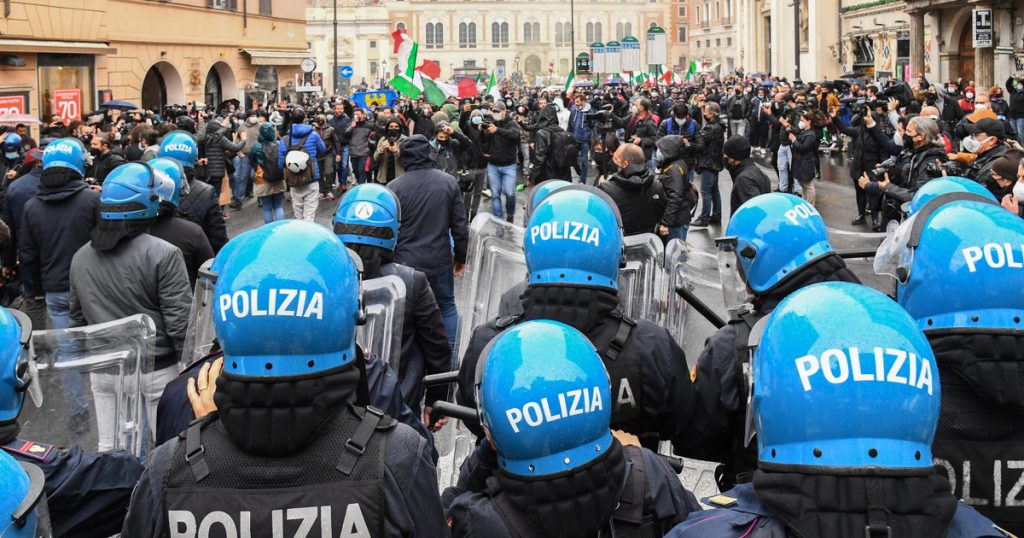 Index – Outside – Police and protesters clash in Rome