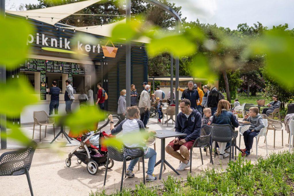 Picnic Garden opened, City Park highlight