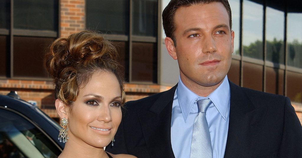 Jennifer Lopez and Ben Affleck are portrayed together this way: 17 years after their breakup, they are resting in a luxurious setting - World Star