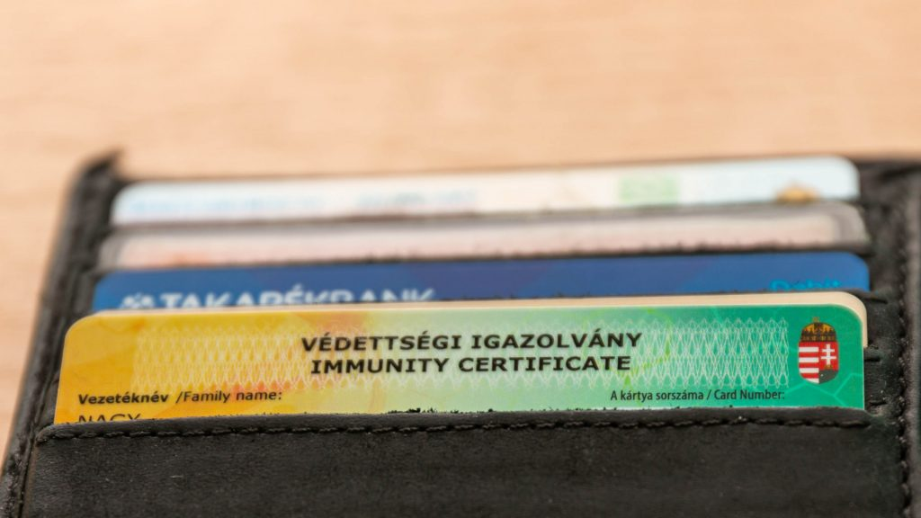 Will there be a certificate of vaccination in English for Hungarians traveling abroad?  Based on that, I am not sure
