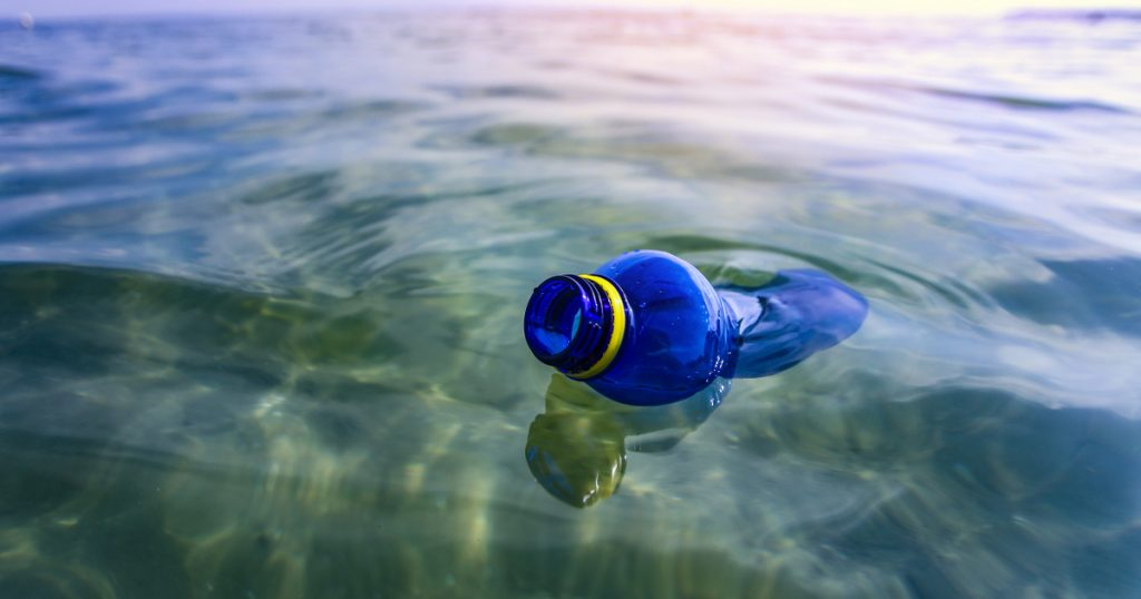 Just ten things that make up 75 percent of the trash in the oceans: They pollute the water a lot - Terrace