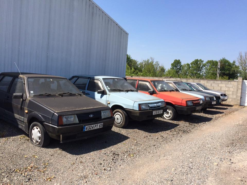 This Lada dealership has been abandoned for years, with new cars within 2