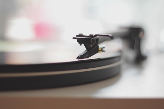 Cult: Elderly American man sends his rented record back after 48 years