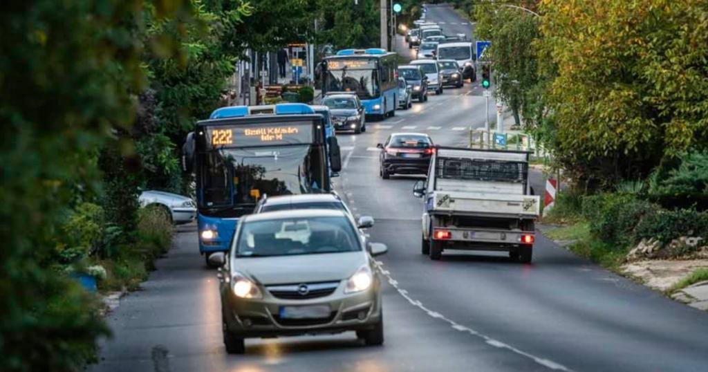 Index - Economy - 586 million HUF go to the bus lanes of Budczy