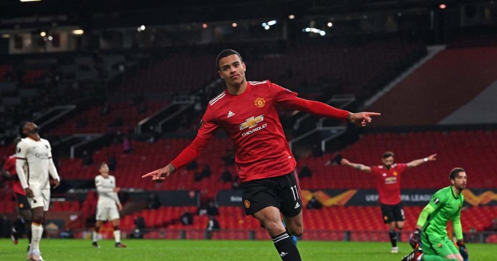 Manchester United prevailed, Villarreal won tight