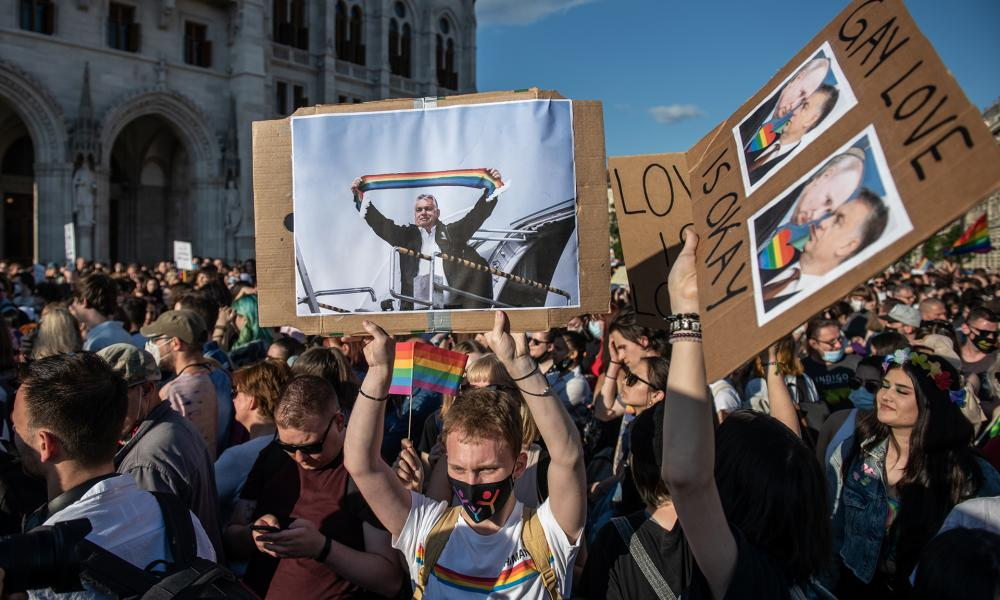 Népszava Britons are concerned and stand up for gay, lesbian, bisexual and transgender rights