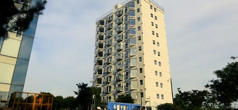 This 10-storey house was built in just over a day - video