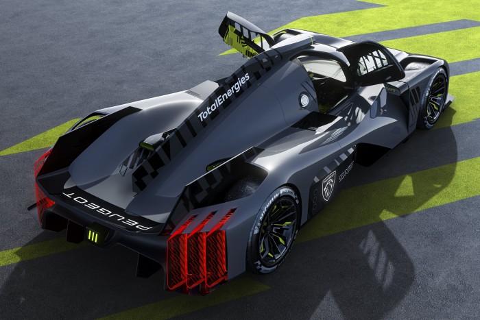 Peugeot 2 attacks a 680 horsepower Batmobile