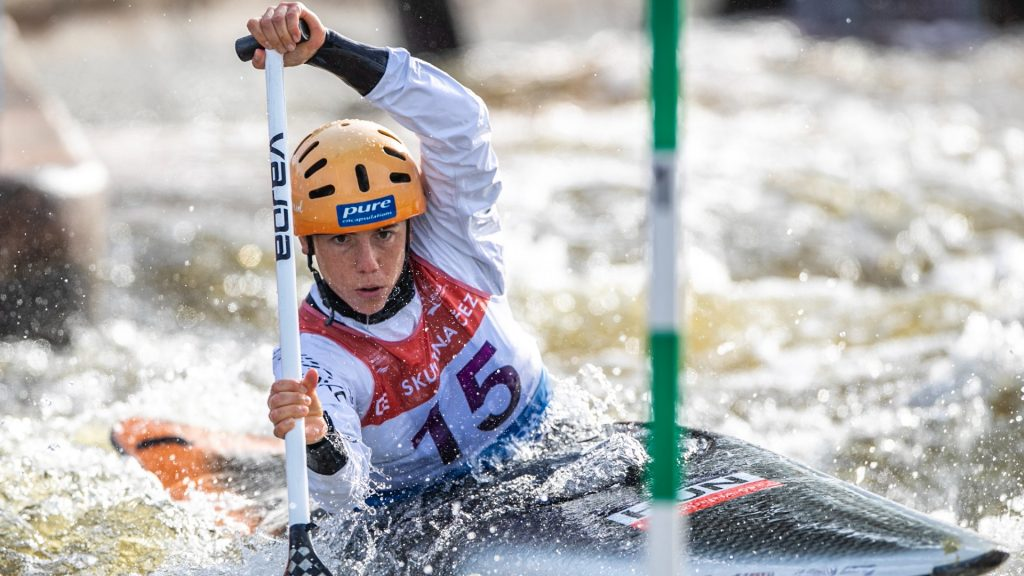 He doesn't ask for vaccinations, he doesn't start the local kayak for Hungarians at the Olympics