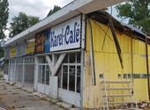 Can this be done by simply dismantling another store?  In Tihany, it looks like this