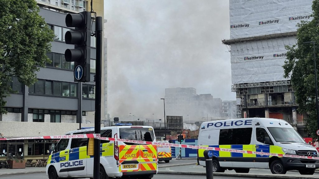 An explosion near the London Underground (video)
