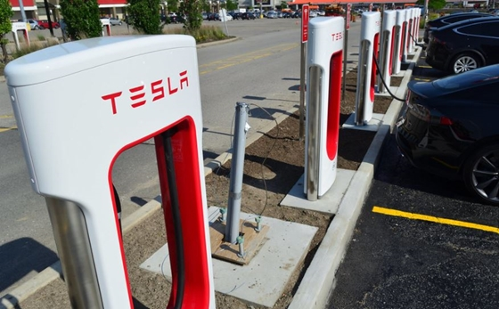 Car: Calculated how much you can bring into Tesla by opening its charging network for each electric car