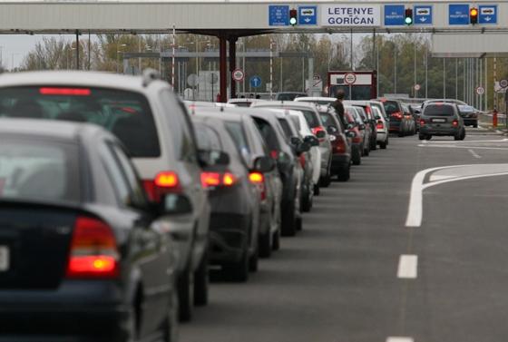 Economy: Police deploy model for faster Croatian border crossing