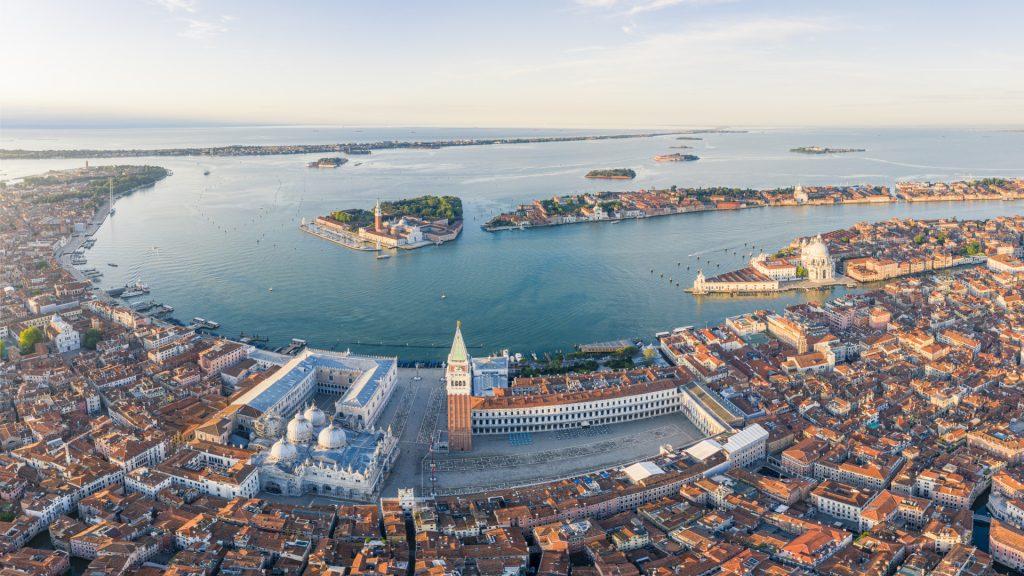 Italy bans cruise ships from the Venetian lagoon