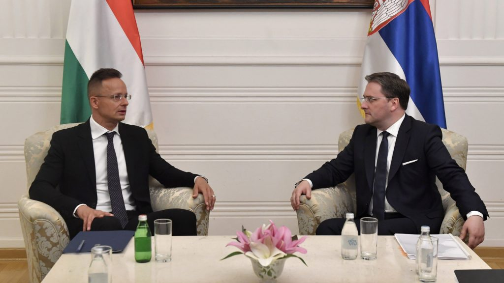 More foreigners can come to Hungary to work, notary fees reduced - 7 new government decisions