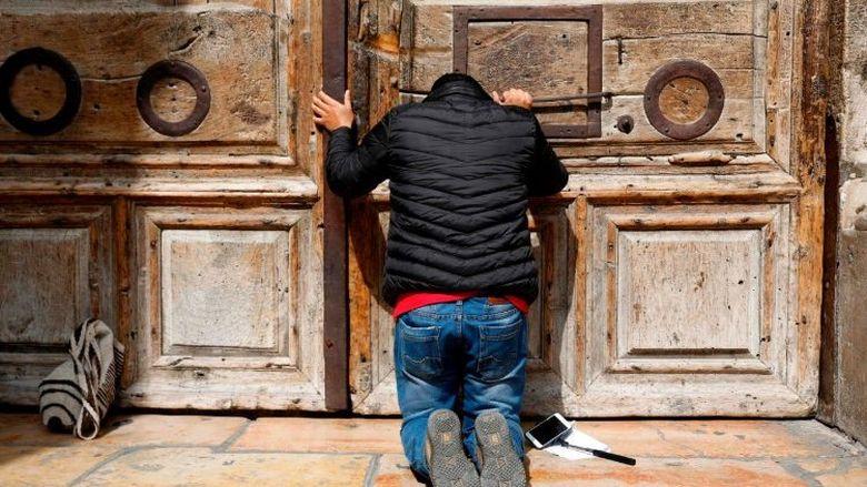 "Székesfehérvár City Gate – ""Selling the Faith"" – Viktória Somogyi Documentary Back in Fehérvár"