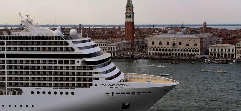 The Italian government decided to ban cruise ships from Venice