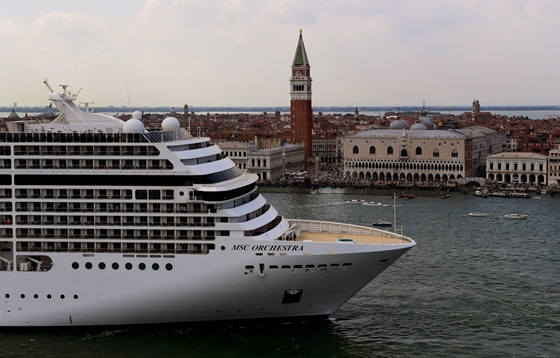 Zhvg: The Italian government has decided to ban cruise ships from Venice