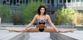 Jean-Claude Van Damme's daughter flashes beautiful nipples and butts - sorting