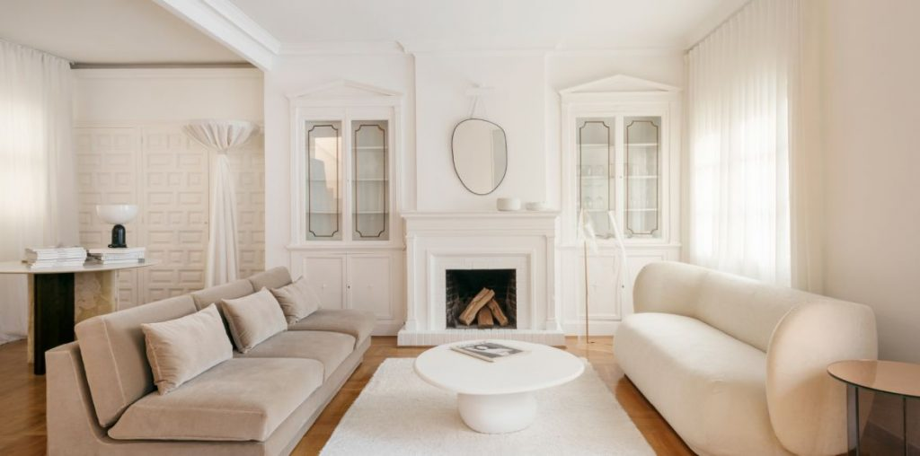 See how the interior designer lives in Barcelona!