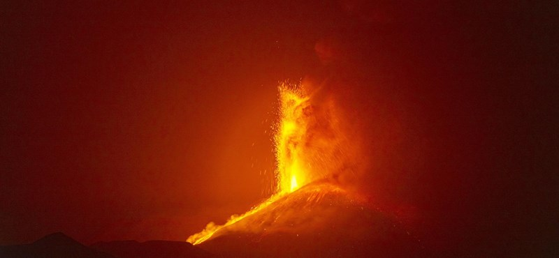 The southeast crater of Mount Etna has so far passed the summit