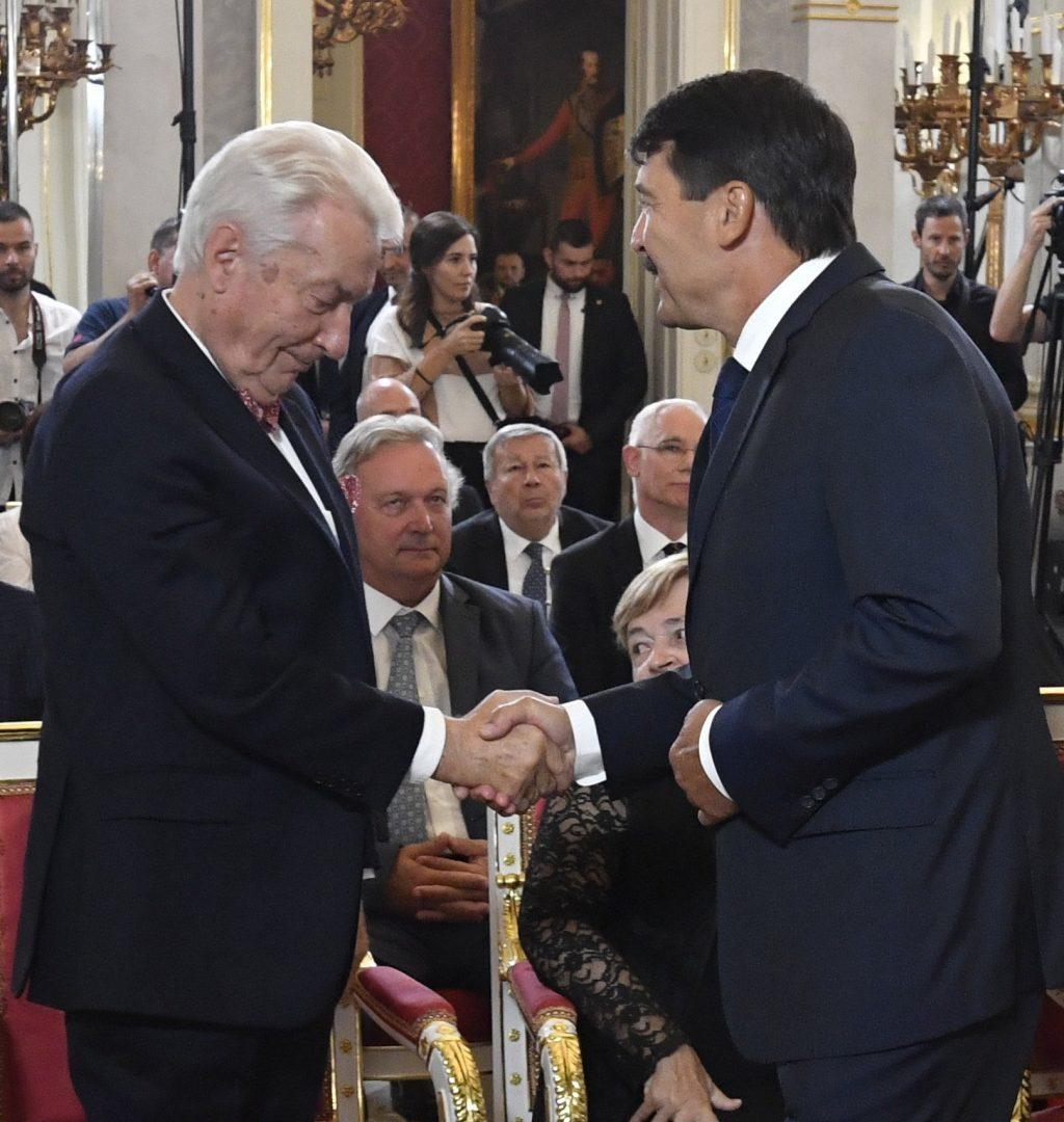 The award was also given to representatives of Hungarian sciences