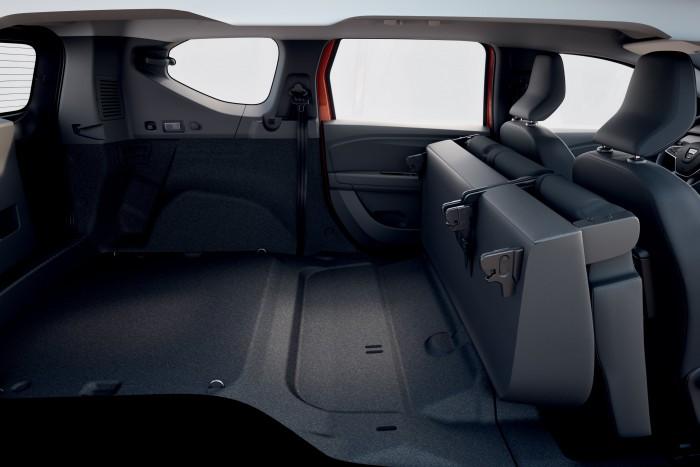 Dacia 4 introduced a seven-seater RV