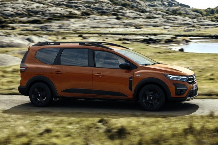 Dacia 2 has unveiled a seven-seater recreational vehicle