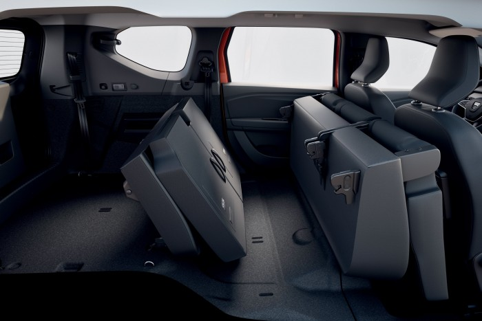 Dacia 3 has unveiled a seven-seater recreational vehicle