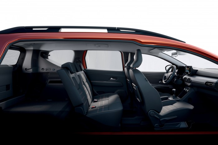 Dacia 6 introduced a seven-seater RV