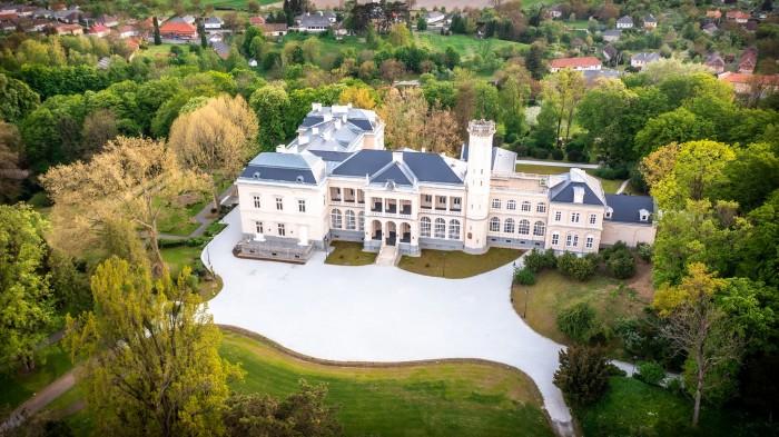 Everyone must see the restored Károlyi Castle in Füzérradvány 3
